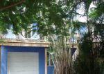 Foreclosed Home en NE CENTER CIR, Jensen Beach, FL - 34957