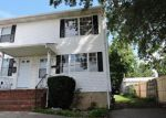 Foreclosed Home en INSLEE ST, Perth Amboy, NJ - 08861