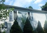Foreclosed Home en PINE AVE, Levittown, PA - 19056