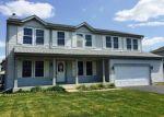 Foreclosed Home en GREENBRIAR BLVD, Poplar Grove, IL - 61065