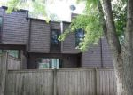 Foreclosed Home en W GLENBROOK RD, Milwaukee, WI - 53223