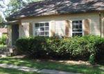 Foreclosed Home en RICHARD AVE, Lansing, MI - 48917
