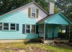 Foreclosed Home en LOWER CEDAR VALLEY RD, Hudson, NC - 28638