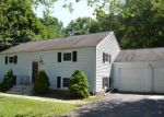 Foreclosed Home en ALEXANDER RD, Milford, CT - 06461