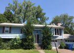 Foreclosed Home en URSINI DR, Hamden, CT - 06514