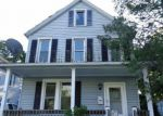 Foreclosed Home en GROVE ST, East Stroudsburg, PA - 18301