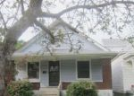 Foreclosed Home en BARONESS AVE, Louisville, KY - 40203