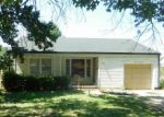 Foreclosed Home en S EDGEMOOR ST, Wichita, KS - 67218