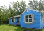 Foreclosed Home en W 29TH ST, Zion, IL - 60099