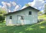 Foreclosed Home en BRIAR HILL RD, Flat Lick, KY - 40935