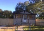Foreclosed Home en PRISCILLA AVE, Riverhead, NY - 11901