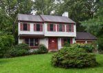 Foreclosed Home en MAPLE LEAF LN, Pottstown, PA - 19464