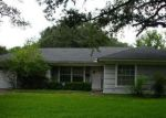 Foreclosed Home en E WARREN AVE, Victoria, TX - 77901