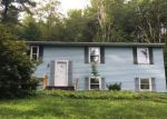 Foreclosed Home en DANBURY QUARTER RD, Winsted, CT - 06098