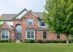 Foreclosed Home en PEBBLEPOINTE PASS, Zionsville, IN - 46077