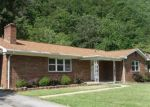 Foreclosed Home en RIVERVIEW DR, Bluefield, VA - 24605