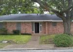 Foreclosed Home en WALNUT DR, Bay City, TX - 77414