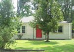 Foreclosed Home en W IRVING ST, Wichita, KS - 67213