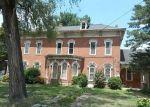 Foreclosed Home en N KASKASKIA ST, Nashville, IL - 62263