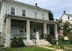 Foreclosed Home en POTTSTOWN AVE, Pennsburg, PA - 18073