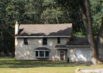 Foreclosed Home en S WOLF LAKE RD, Muskegon, MI - 49442