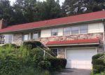 Foreclosed Home en PENNSYLVANIA AVE, Reading, PA - 19606