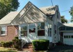 Foreclosed Home en SPRINGFIELD RD, Linden, NJ - 07036