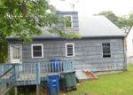 Foreclosed Home en DOUGLAS ST, Bridgeport, CT - 06606