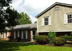 Foreclosed Home en SCHOOLHOUSE PL, Maineville, OH - 45039