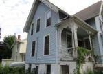 Foreclosed Home en HOBART ST, Meriden, CT - 06450