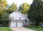 Foreclosed Home en E 153RD CIR, Olathe, KS - 66062