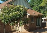 Foreclosed Home en E WYCHE ST, Whiteville, NC - 28472