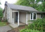 Foreclosed Home en E SHORE LAKE OWASSA RD, Newton, NJ - 07860