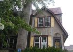 Foreclosed Home en W GREENWOOD AVE, Lansdowne, PA - 19050