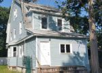 Foreclosed Home en CHAPMAN PL, Bay Shore, NY - 11706