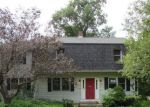 Foreclosed Home en PLUNGIS RD, Watertown, CT - 06795