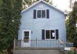 Foreclosed Home en BORTON AVE, Essexville, MI - 48732