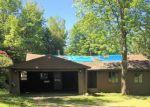 Foreclosed Home en ROSE RDG, Jay, ME - 04239