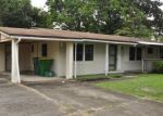 Foreclosed Home en W LORRAINE DR, Mary Esther, FL - 32569