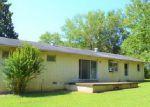 Foreclosed Home en HAWLEY ST, Camden, TN - 38320