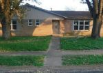 Foreclosed Home en ORIOLE LN, Beeville, TX - 78102