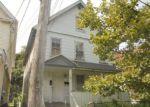 Foreclosed Home en HELEN ST, Bridgeport, CT - 06608