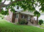 Foreclosed Home en 3RD AVE S, Clinton, IA - 52732