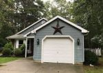 Foreclosed Home en RAVENWOOD DR, Absecon, NJ - 08205