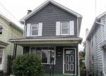 Foreclosed Home en W HARTFORD ST, Wilkes Barre, PA - 18706