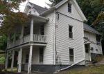 Foreclosed Home en RIVERSIDE ST, Oakville, CT - 06779