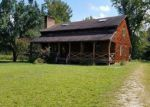 Foreclosed Home en WARDS CREEK RD, Disputanta, VA - 23842