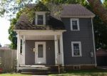 Foreclosed Home en CARELY AVE, Jewett City, CT - 06351