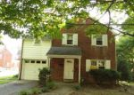 Foreclosed Home en DEFOREST RD, Lansdowne, PA - 19050