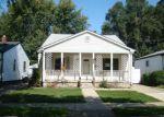 Foreclosed Home en E OTIS AVE, Hazel Park, MI - 48030